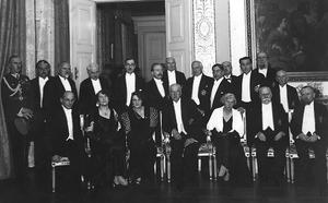 Polish culture in the Interbellum - The inaugural session of the Polish Academy of Literature, 1933. Sitting from left to right: Prime Minister Janusz Jędrzejewicz, Zofia Nałkowska, Maria Mościcka, President Ignacy Moscicki, Maria Jędrzejewicz, Wacław Sieroszewski, Leopold Staff. Standing from left: Colonel Jan Głogowski, director Skowroński, Zenon Przesmycki, Wacław Berent, Piotr Choynowski, Juliusz Kleiner, Wincenty Rzymowski, Jerzy Szaniawski, Juliusz Kaden-Bandrowski, Karol Irzykowski, Tadeusz Żeleński, Tadeusz Zieliński, and Bolesław Leśmian