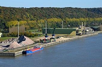 Installation du port de Rouen près du pont de Brotone DSC 0218.jpg