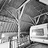 interieur, overzicht stal met gebintconstructie - 20000569 - rce