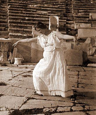Modern dance - Isadora Duncan in 1903