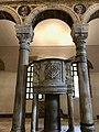 Italie, Ravenne, basilique Sant'Apollinare Nuovo, chaire (48087021616).jpg