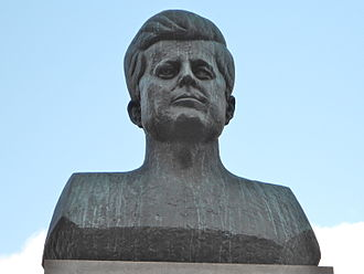 Military Park (Newark) - Bust of President Kennedy