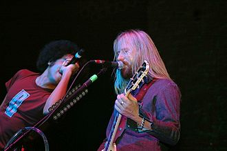 Jerry Cantrell - William DuVall and Jerry Cantrell performing with Alice in Chains in 2006