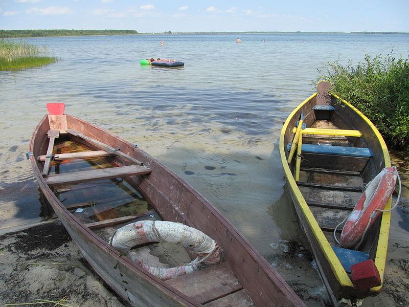 File:Jezioro Switaź, Ukraina.JPG