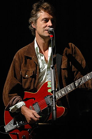 Jim Cuddy - Jim Cuddy with Blue Rodeo in 2005 at the Spencerville Fair