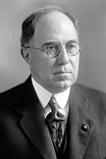 John W. Summers American politician