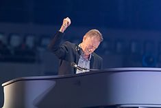John Miles - 2016330223545 2016-11-25 Night of the Proms - Sven - 1D X II - 0807 - AK8I5143 mod.jpg