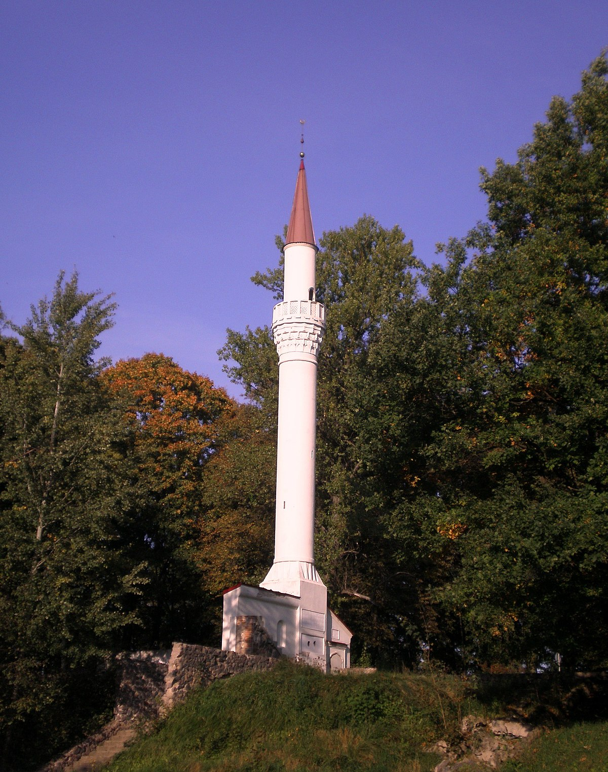 kedainiai muslim The kėdainiai minaret is the only free-standing minaret in lithuaniait is located in the city of kėdainiai, in the city park, between the kėdainiai train station and the dotnuvėlė river history the minaret was erected in 1880 by a russian general, eduard totleben, who was the owner of an estate in kėdainiaiit was built to commemorate his service in the.