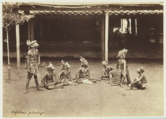 KITLV 3932 - Kassian Céphas - Wayang topeng show in the house of the patih Yogyakarta - Around 1885.tif