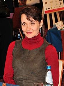 http://upload.wikimedia.org/wikipedia/commons/thumb/6/6a/Kateryna_Lahno_2013.jpg/220px-Kateryna_Lahno_2013.jpg