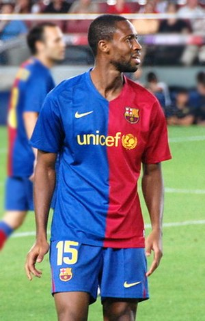 Seydou Keita - Keita in action for Barcelona in 2008