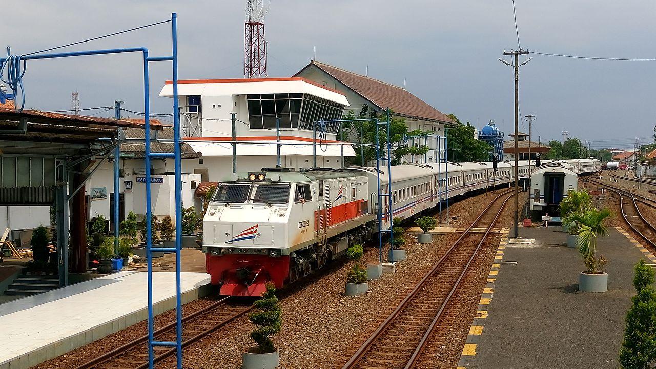 Kereta Api Maharani l Sumber: wikiwand.com