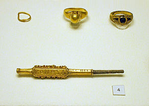 Keszthely culture - Gold pin with the name BONOSA and Byzantine-style rings