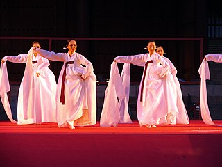 File:Korea-Hi Seoul Festival-2006-06 jpg - Wikimedia Commons