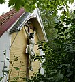 Kreuz an der historischen Fischerkapelle in Brendene (Belgien).jpg