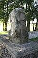 Löchriger Stein 09.jpg