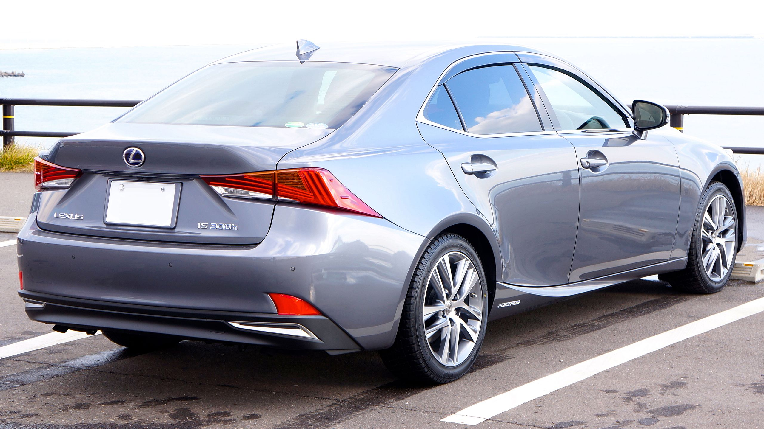 LEXUS IS300h 2017 JAPAN Rear.jpg