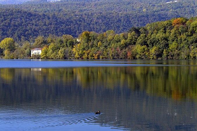 Lago grande - Avigliana.jpg