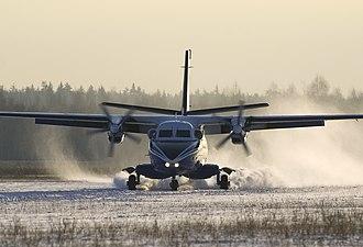 Let L-410 Turbolet - Landing on snow
