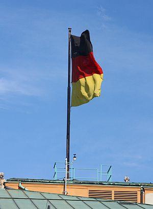 Landtag Deutschlandflagge 3428.JPG