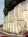 Laon (02), abbaye Saint-Jean, muraille côté sud, sur la RD 54 2.jpg