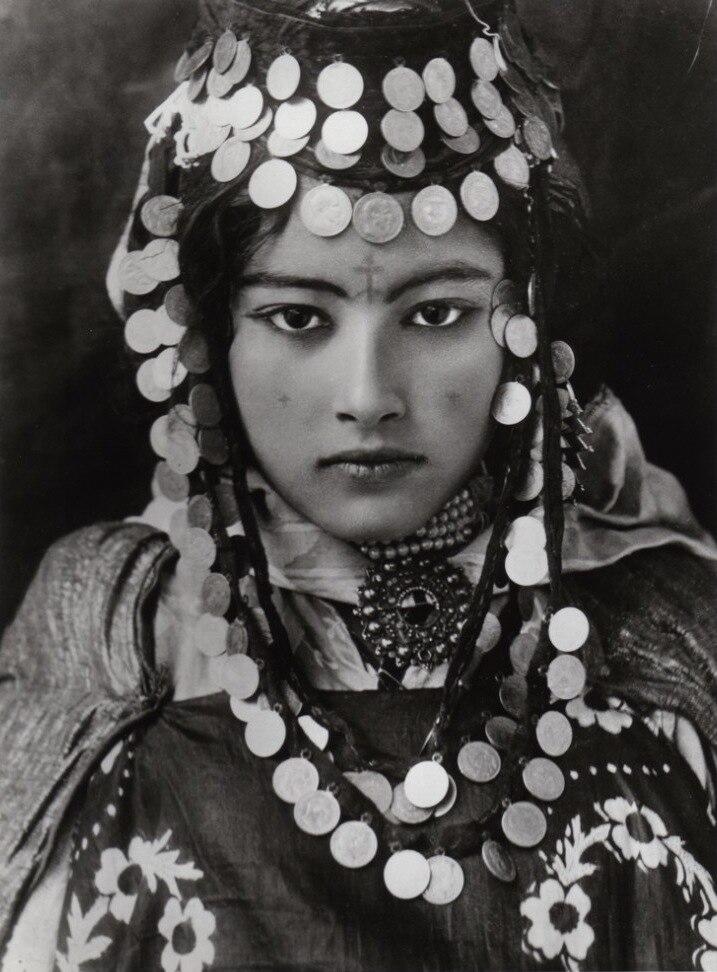 Lehnert Landrock - Ouled Naïl Girl - Algeria - 1905