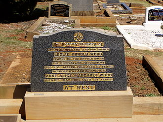 Les Wood (Australian politician) - Leslie Arnold Wood's headstone at Drayton and Toowoomba Cemetery
