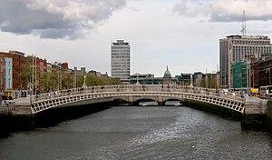 River Liffey - The Ha'penny Bridge.