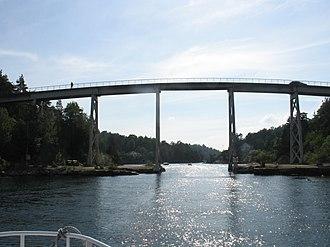 Lillesand - Justøy Bridge over Blindleia in Lillesand.