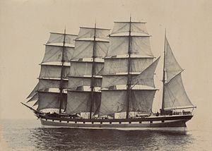 Shaw, Savill & Albion Line - Lindfield was a four-masted barque built in 1891. Shaw, Savill and Albion sold her to Norwegian buyers in 1911.