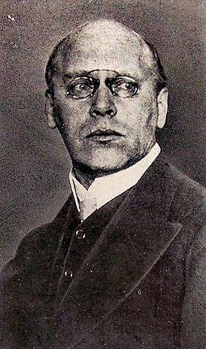 Ludwig von Hofmann - Ludwig von Hofmann (c.1910)