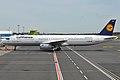 Lufthansa, D-AISB, Airbus A321-231 (16456953815).jpg