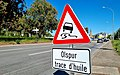 Luxembourg road sign A,8 (trace d'huile).jpg