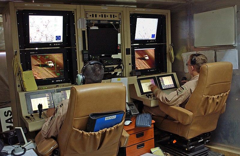 File:MQ-1 Predator controls 2007-08-07.jpg