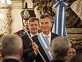 Macri recibió el bastón y la banda presidencial.jpg