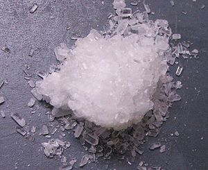 English: Magnesium sulfate heptahydrate How to make your own magnesium oil