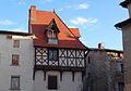 Maison 21 place de la Cité à Courpière.JPG