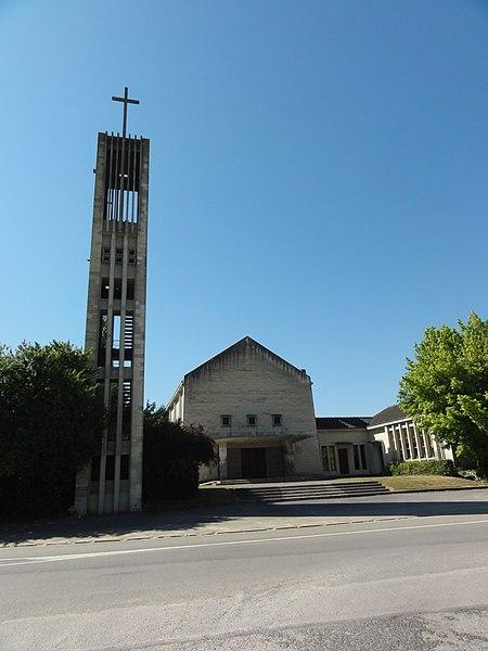 Maizy (Aisne) église et sa tour
