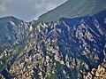 Malcesine Blick auf die Felsen am Lago di Garda.jpg