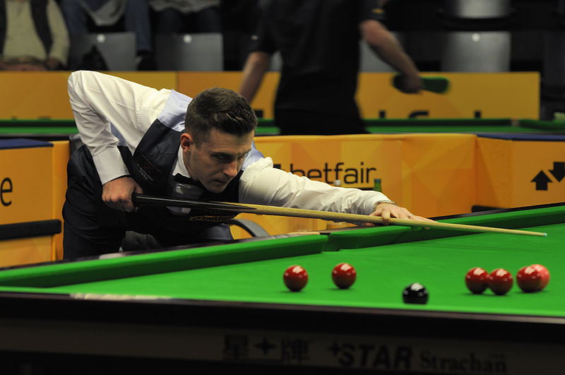 File:Mark Selby at Snooker German Masters (DerHexer) 2013-01-30 13.jpg