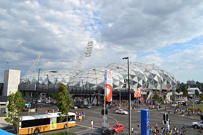 How to get to Aami Park with public transport- About the place