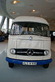 Mercedes-Benz L 406 1965 Kastenwagen HeadOn MBMuse 9June2013 (14796923100).jpg