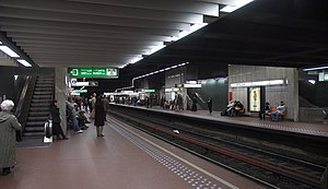 Kunst-Wet/Arts-Loi metro station - Image: Metro Brussel Kunstwet A
