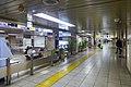 Mitsukoshimae Station Ginza Line concourse 2015.jpg