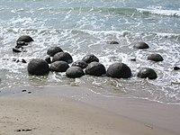 Moeraki Boulders.jpg