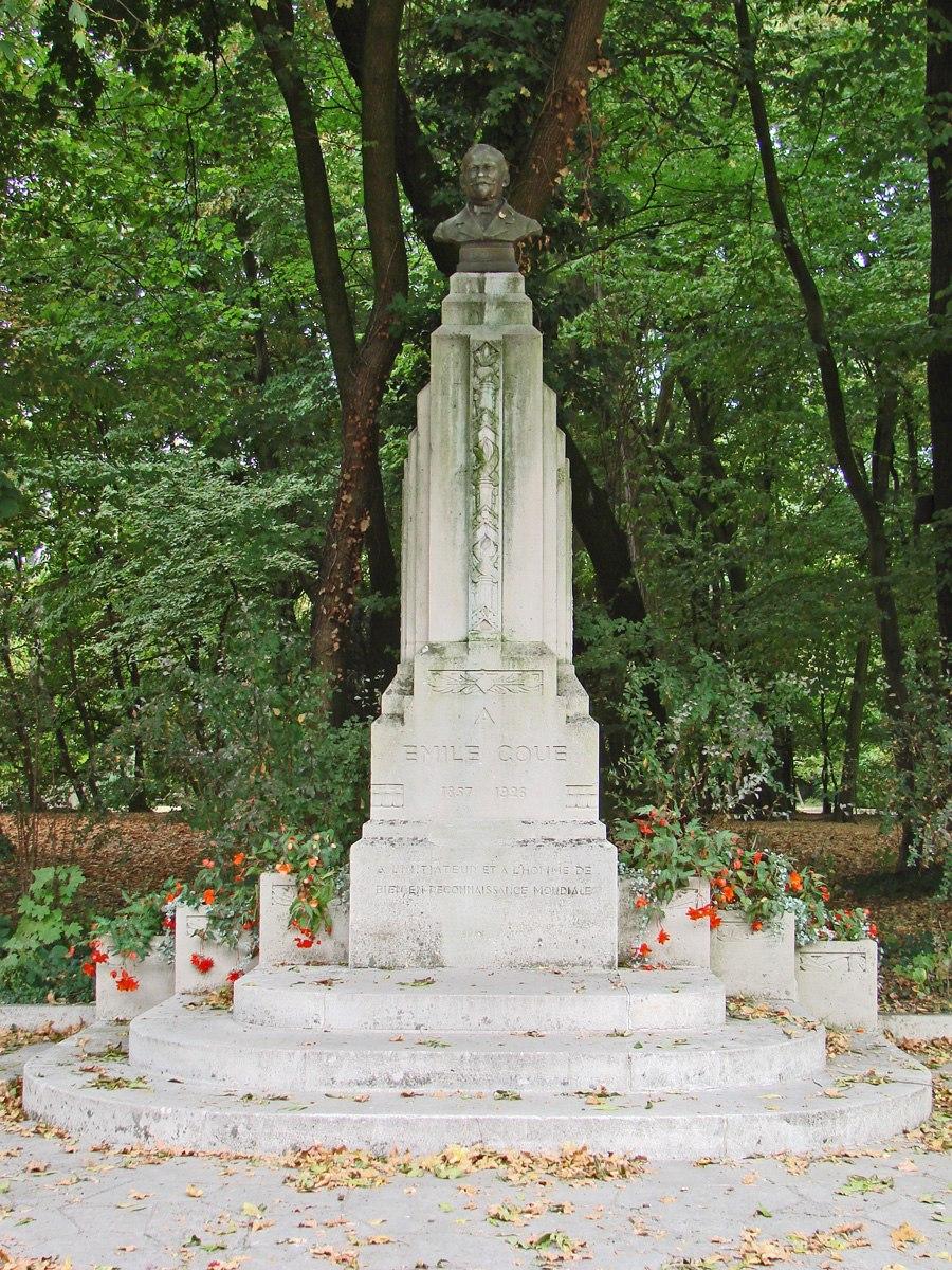 Monument à Emile Coué (Nancy) (4266558055)