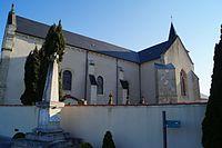 Monument aux morts et église Saint-Maurice de Saint-Maurice-des-Noues (Éduarel, 24 avril 2016).JPG