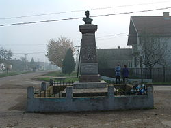 Monument to Zeka Buljubaša in Ravnje.jpg
