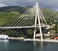 Most dr. Franja Tudmana 2001 Franjo-Tudman-Brücke südl. Teil Schrägseilbrücke 325m über Adria-Bucht Ombla Dubrovnik Kroatien - Foto Wolfgang Pehlemann DSC04565.jpg