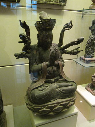 Mạc dynasty - Statue of Avalokiteshvara Bodhisattva, crimson and gilded wood (16th century)
